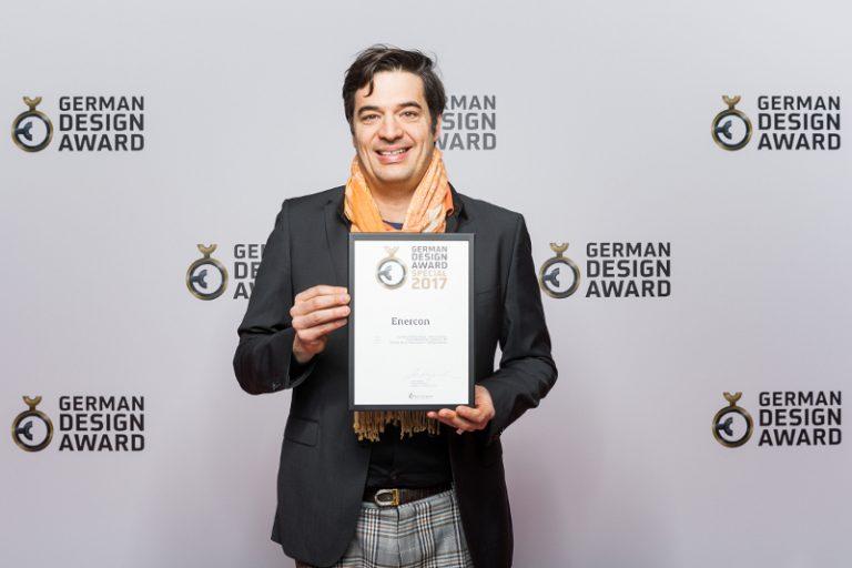 Geschäftsführer André Hund bei der Preisverleihung zum German Design Award 2017