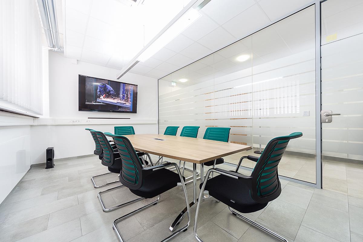 Heller Konferenzraum