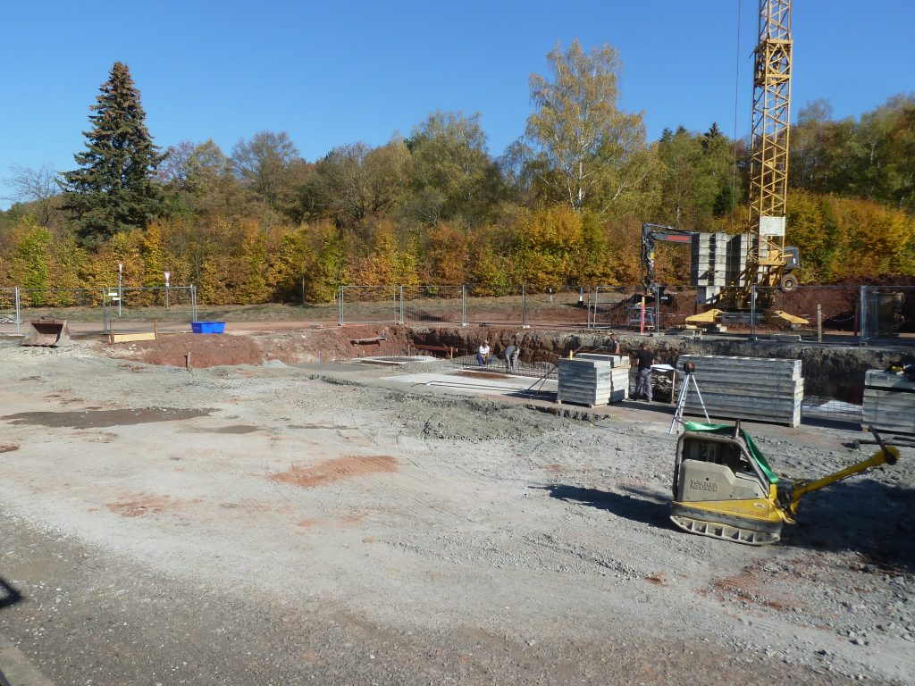 Baufortschritt des neuen Ausstellungsgebäudes von Hund Möbelwerke in Sulzdorf