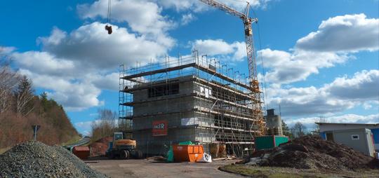 Die Bauarbeiten an unserem neuen Ausstellungsgebäude sind in vollem Gange