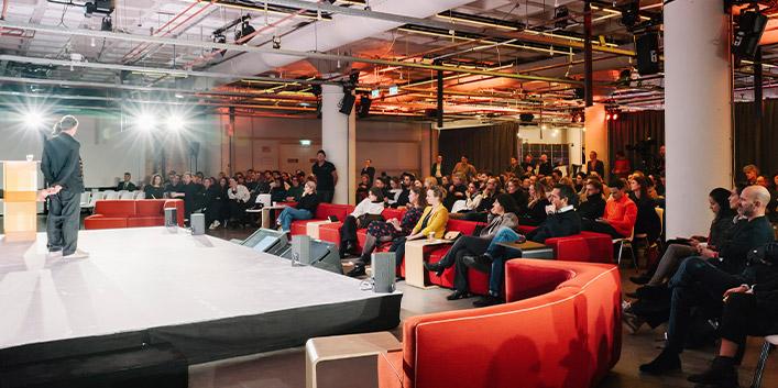 Blick ins Publikum der FRAME Awards 2020 in Amsterdam | HUND MÖBELWERKE